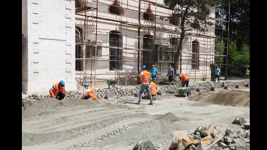 Büyükşehir'den Kısıtlama Günlerinde Yoğun Çalışma