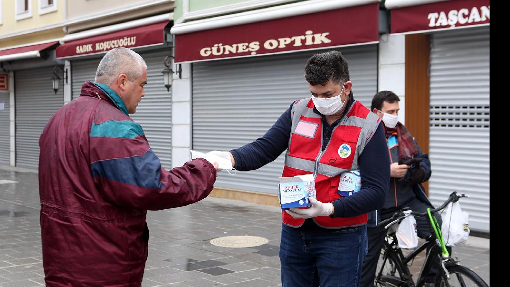 Sakarya Büyükşehir 100 Bin Maskeyi Ücretsiz Dağıtıyor