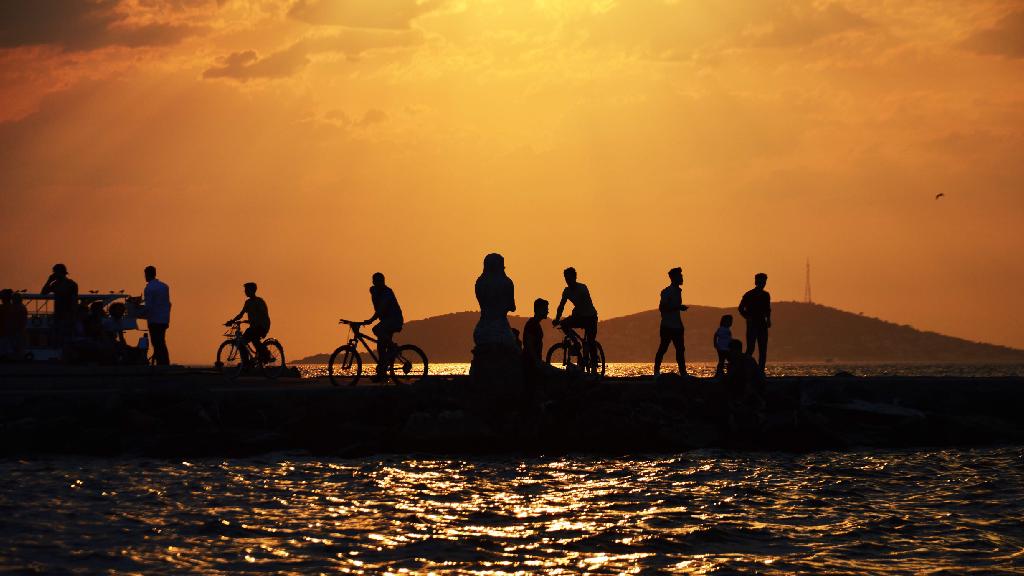 Büyük Ada'da gün batımı