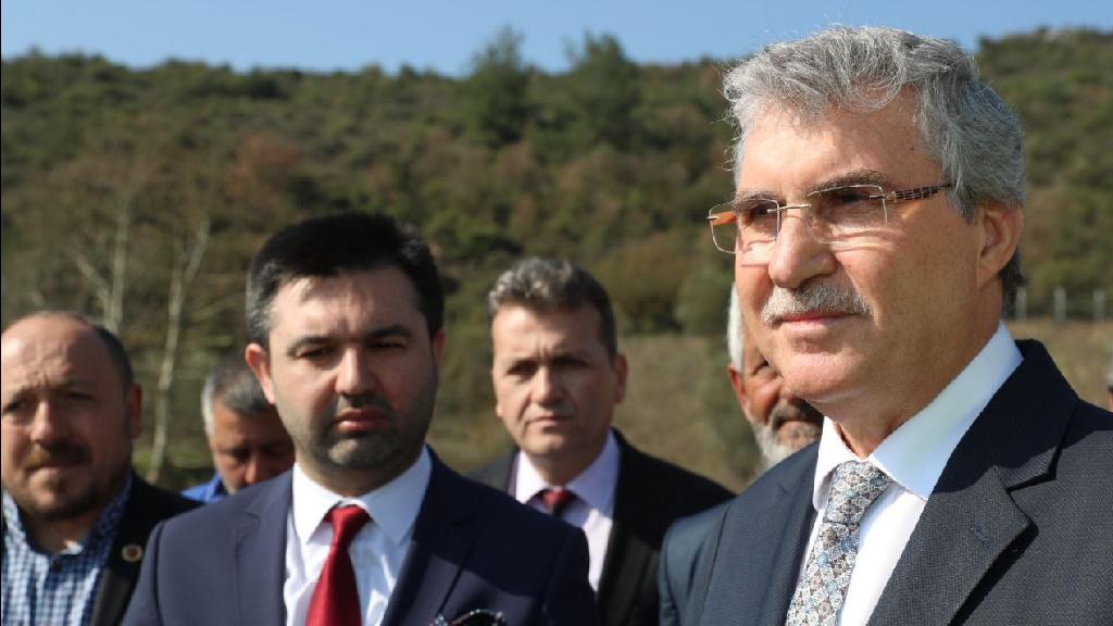 Pamukova Karapınar'da Beton Yol Çalışmaları Başladı