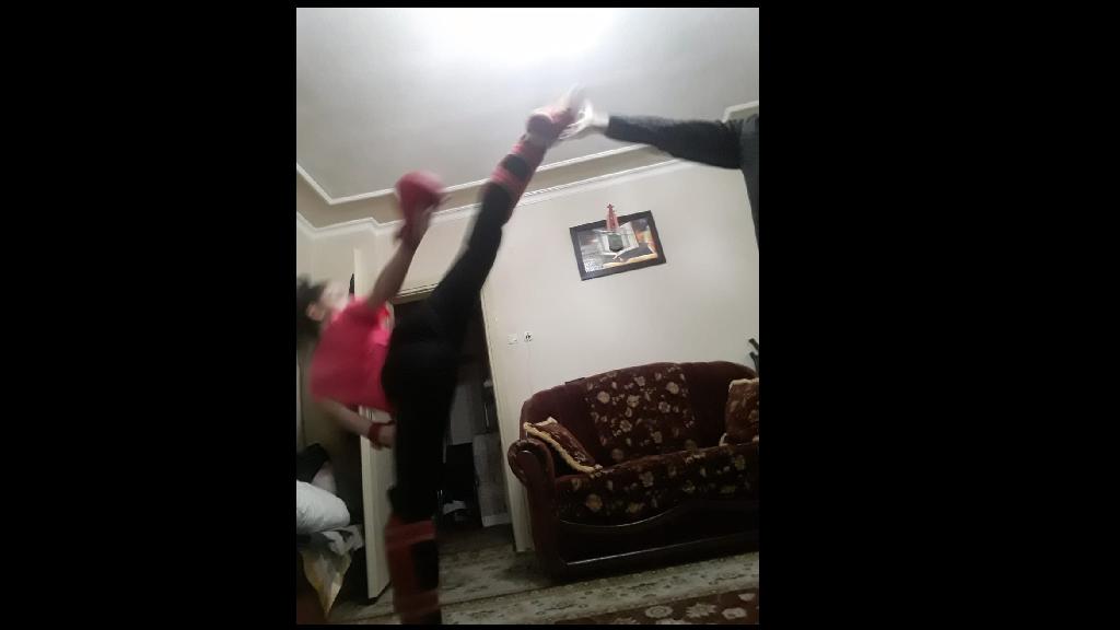 Karasu'da Karateciler Evde Antrenman Yapıyor